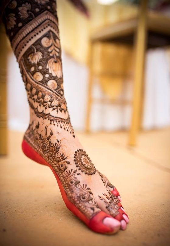 Trending Foot Mehendi Designs For Brides